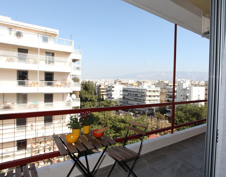 Edem Beach 1 bdrm Apartment with Mountain view, holiday rental in Paleo Faliro