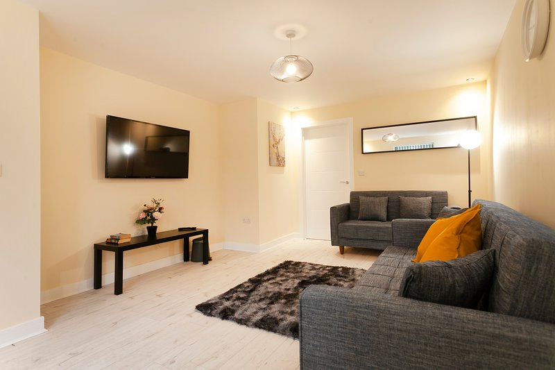 Westgate: *Spacious*Modern*Wifi*Parking*En-suit*, holiday rental in Markham Moor