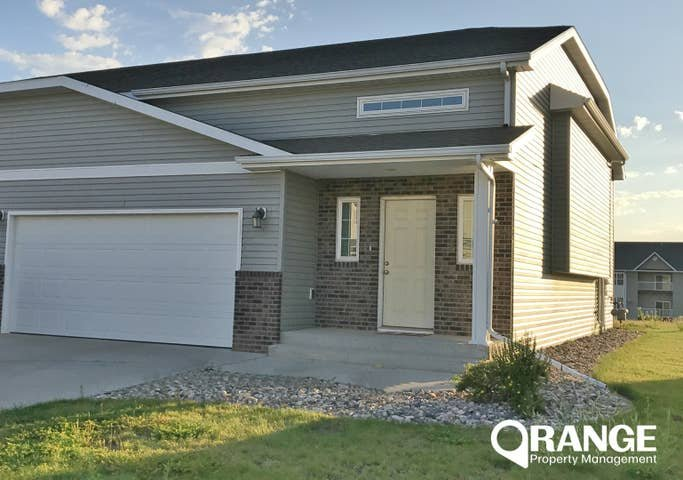 3 bed, 2 bath TOWN HOME in Minot, ND near base, holiday rental in Minot