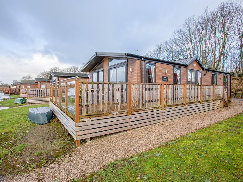 Capernwray 16 (Platinum 3 bedroom), South Lakeland Leisure Village, casa vacanza a Warton