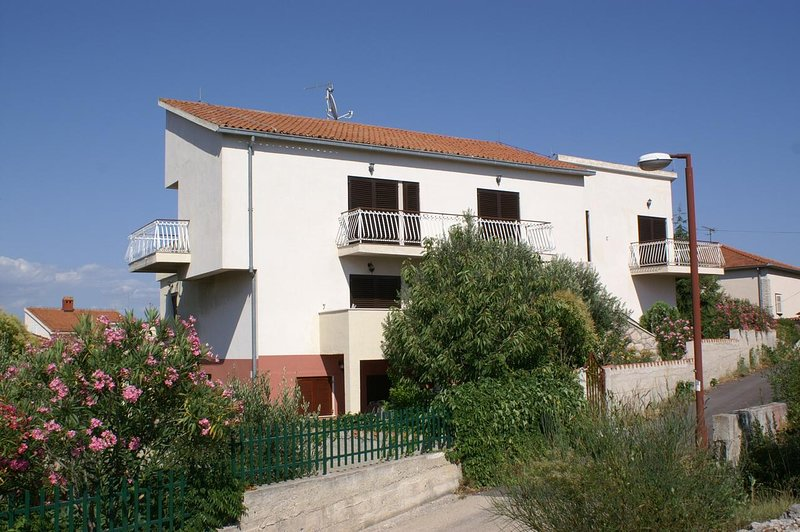 Zablace Apartment Sleeps 5 with Air Con - 5462597, holiday rental in Zablace