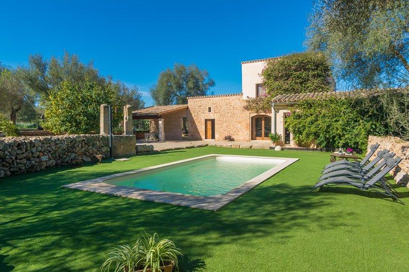 CAN PERE RAPINYA - Villa for 6 people in Algaida, vacation rental in Algaida