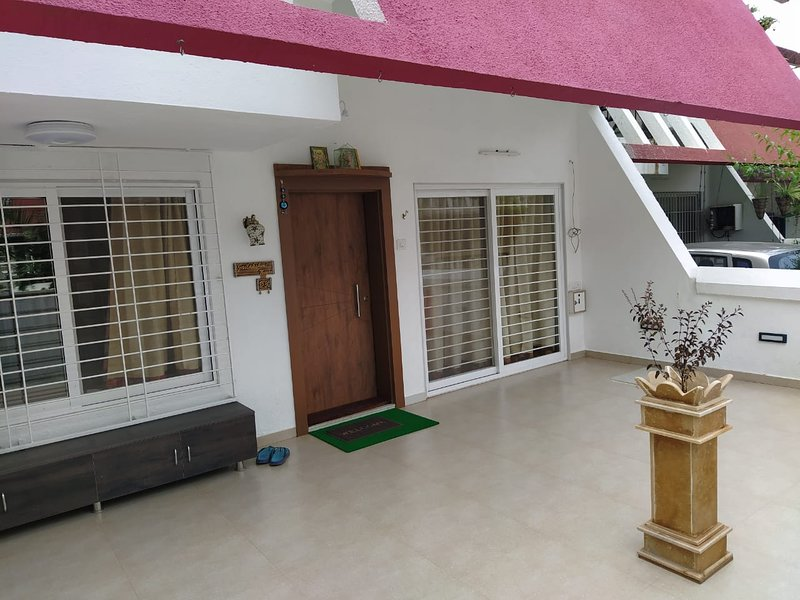 Monarch Holidays- Simple Made perfect!, vacation rental in Nashik