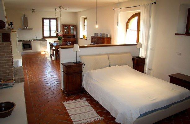 Robinia:80 m2 a piano terra,adeguato anche x persone diversamente abili, location de vacances à Urbin