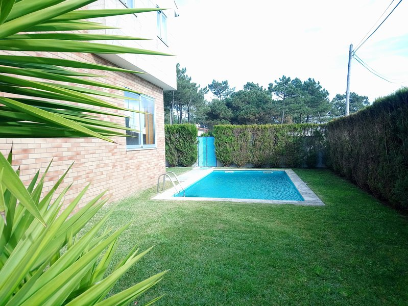 Beach House - Between Porto and Viana do castelo, holiday rental in Travassos
