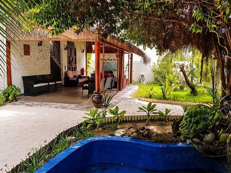 Chic Island Villa Suite With Stunning Beach Nearby, vacation rental in Haa Alif Atoll