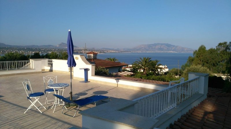 Chez Gigì mareh24, holiday rental in Terrasini