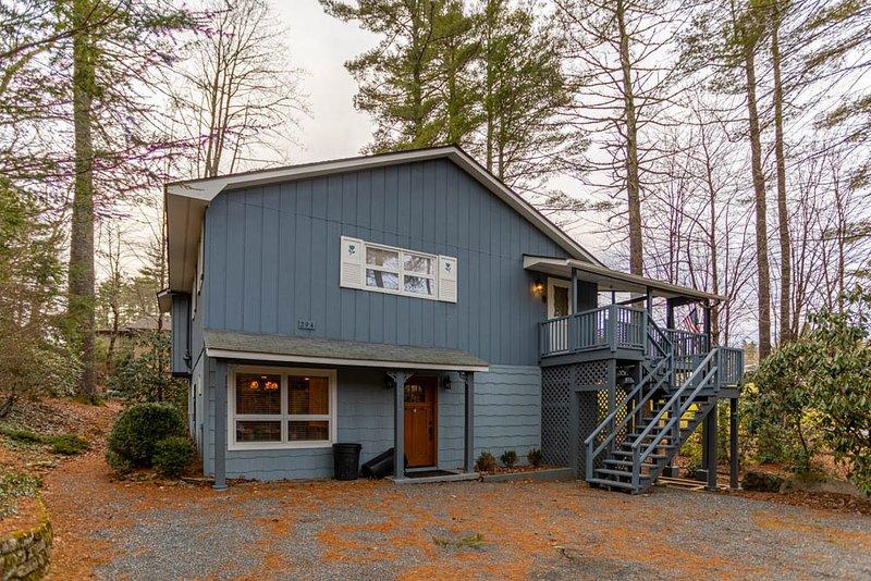 Lakeview Lodge at Linville Land Harbor, location de vacances à Newland