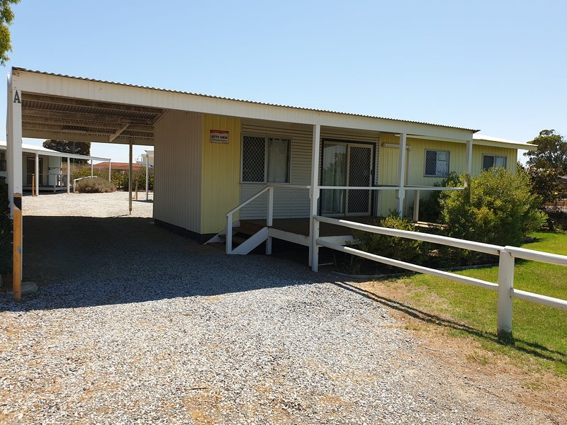 Jurien Bay View Bungalows - Jetty View (5), holiday rental in Green Head