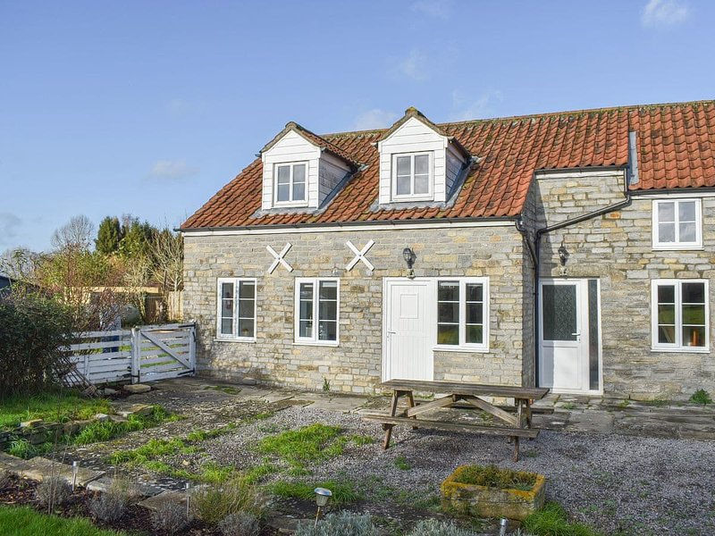 Plum Tree Cottage - UK30115, holiday rental in Butleigh
