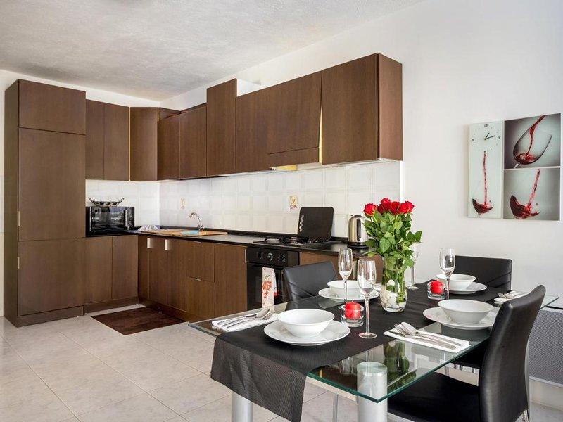Apartment 14 Primrose Court, holiday rental in Bugibba