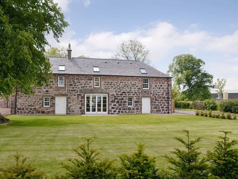 The Stables - UK11108, holiday rental in Edzell