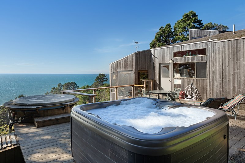 Dog-friendly, hillside home w/ oceanview, private hot tub, & shared pools/saunas, vacation rental in The Sea Ranch