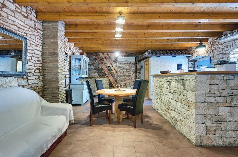 Holiday home 194676 - Holiday home for sole use 236409, location de vacances à Stokovci
