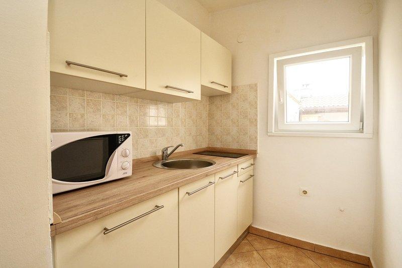 Holiday home 144269 - Studio apartment 127873, location de vacances à Varvari