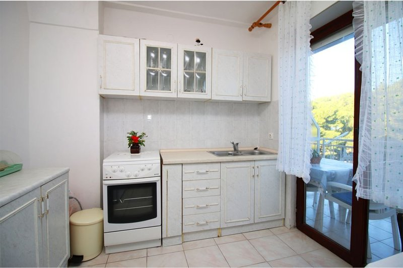 Holiday home 153269 - Holiday apartment 143349, holiday rental in Primosten Burnji