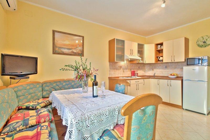 Holiday home 139418 - Holiday apartment 116023, holiday rental in Petrovija