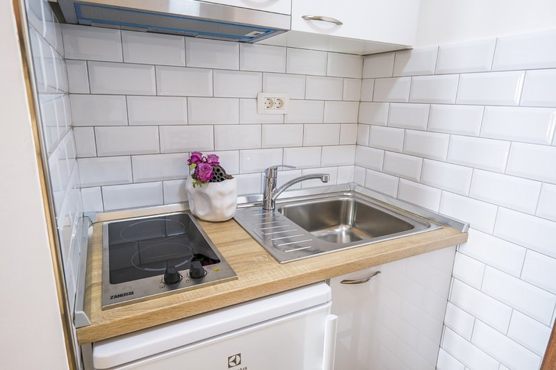 Holiday home 142089 - Studio apartment 122397, holiday rental in Soline
