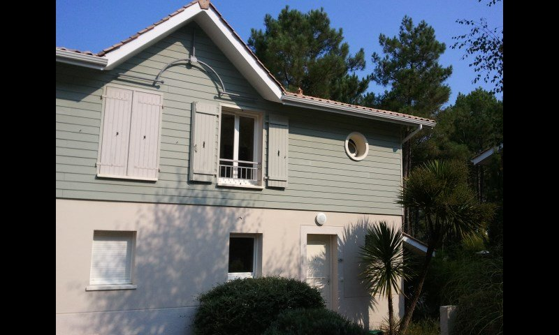 Family holiday home in pine forest close to beach, holiday rental in Lacanau-Ocean