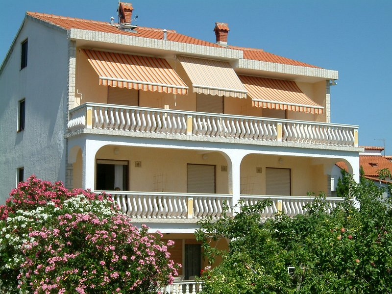 Mediterranean Apartment with sea view, location de vacances à Palit