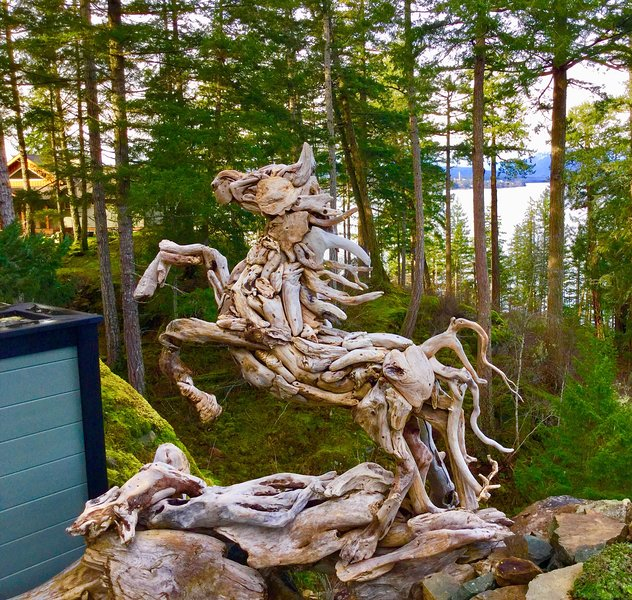 Sea Horse Suite on Quadra Island, holiday rental in Quathiaski Cove