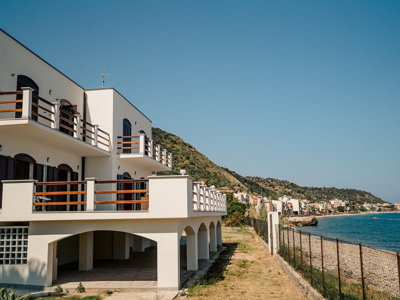 Pinta, holiday rental in Marina di Caronia