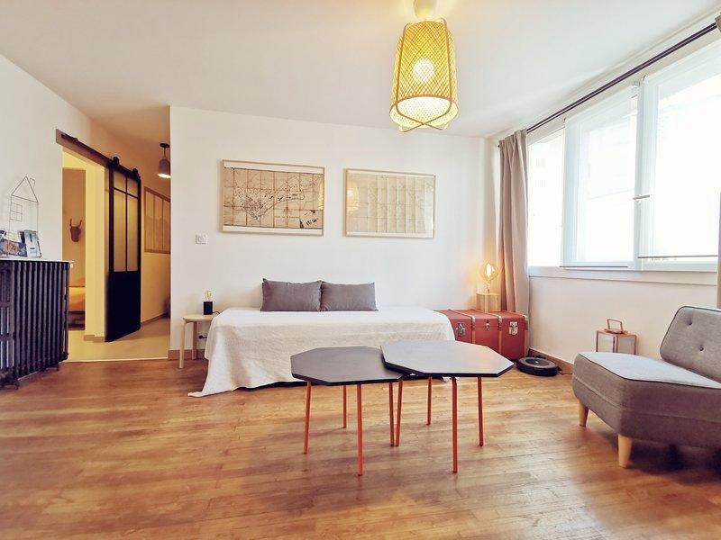 B&B - La Suite du Parc - App 2 pièces calme - Stationnement gratuit sécurisé, vakantiewoning in Sautron