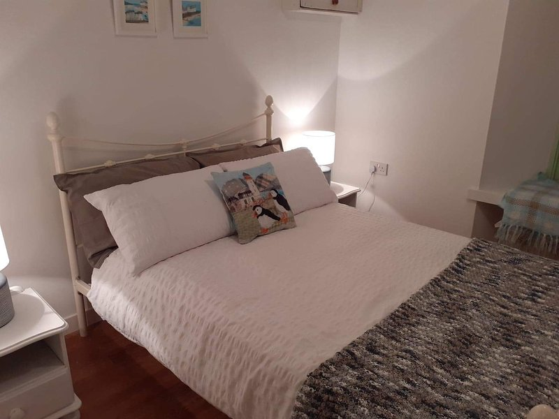 Charming 1-Bed Apartment in Kirkwall, holiday rental in Birsay