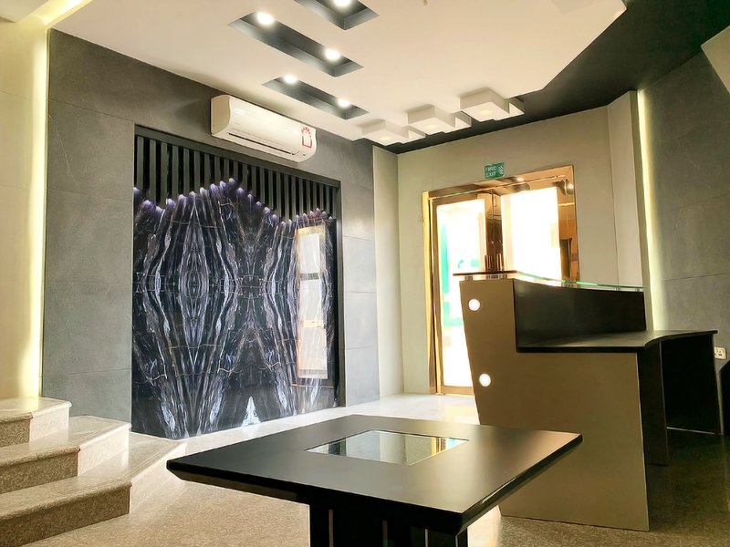 Emerald Suites #2, holiday rental in Doha