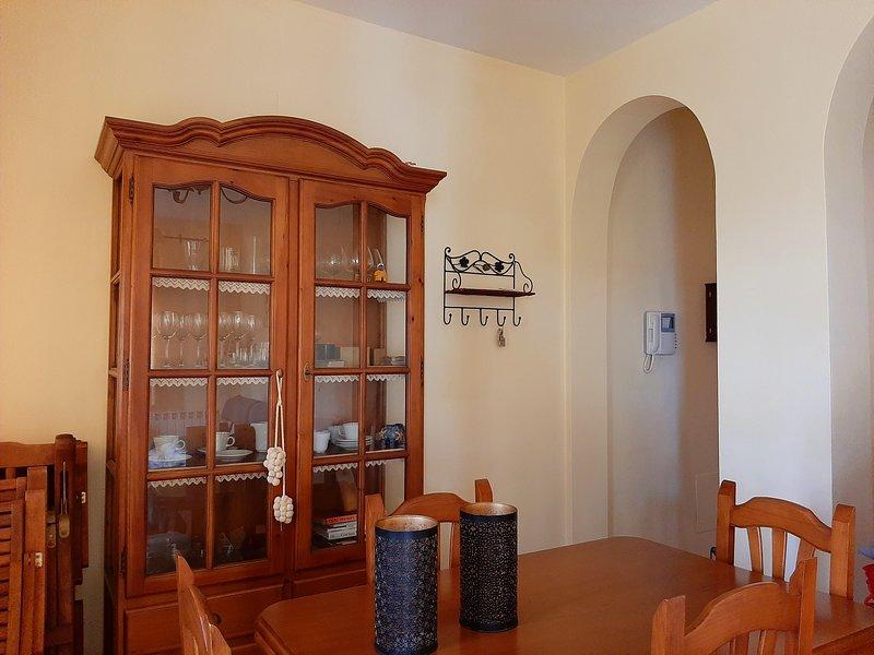 Lounge / dining area.