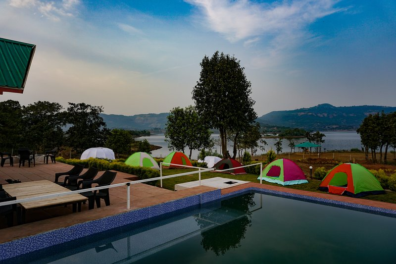 Leisurely Lakehouse, vacation rental in Pune