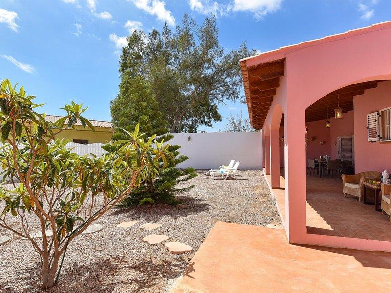 Family Villa JG9, holiday rental in Castillo del Romeral