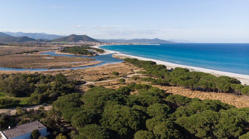 Sa Petra Ruja NUOVO appartamento a 150mt dal mare 'La Pineta', holiday rental in Iscra E Voes