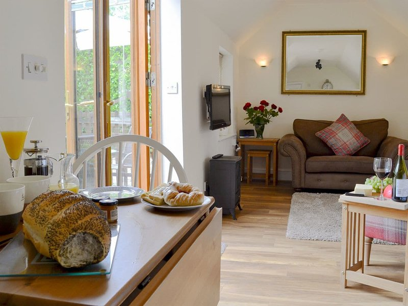 Pittendrigh Cottage, holiday rental in Swanton Novers