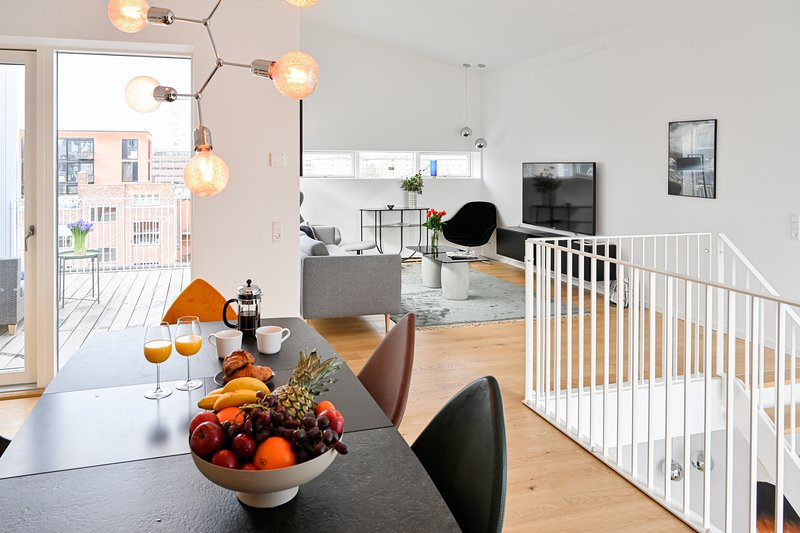 An Amazing 3-Bedroom Apartment with Authentic Danish Designers Furniture – semesterbostad i Birkerod