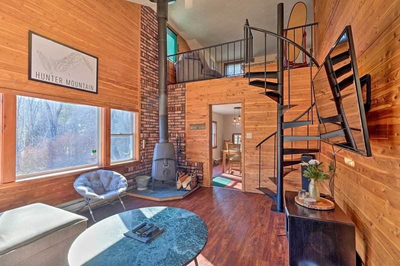 Modern Hunter Mountain Home: 1 Mile from Resort!, holiday rental in Hunter