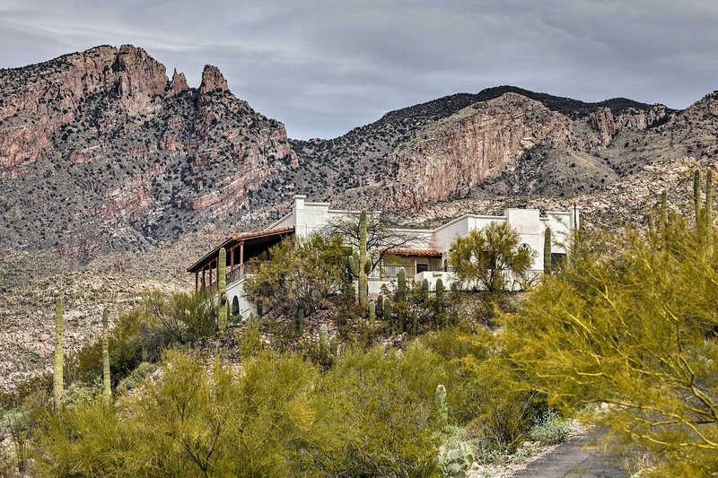 Grand Hilltop House: Best Views in Tucson!, holiday rental in Catalina Foothills