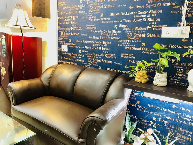 23rd Down Town, Ranked #1 Boutique Studio by Press, Ferienwohnung in Faridabad District