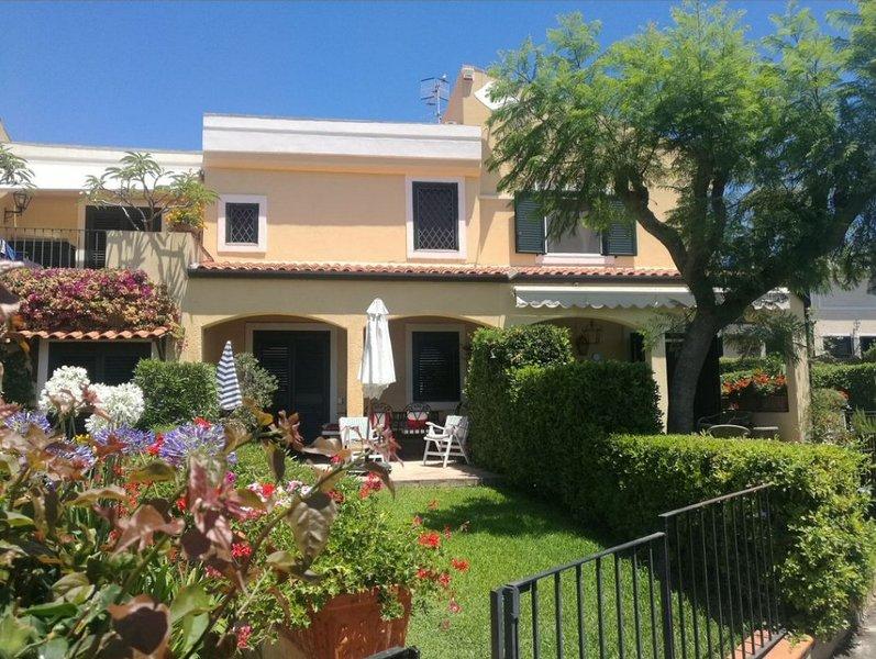 Villa Mamma Agata, holiday rental in Scillichenti