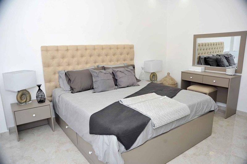 Amazing one Bedroom Apartment in Amman, Elwebdah 9, holiday rental in Ar-Rusaifa