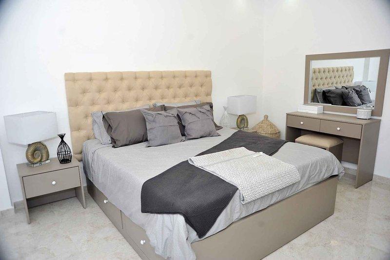 Amazing one Bedroom Apartment in Amman,Elwebdah 6, holiday rental in Ar-Rusaifa