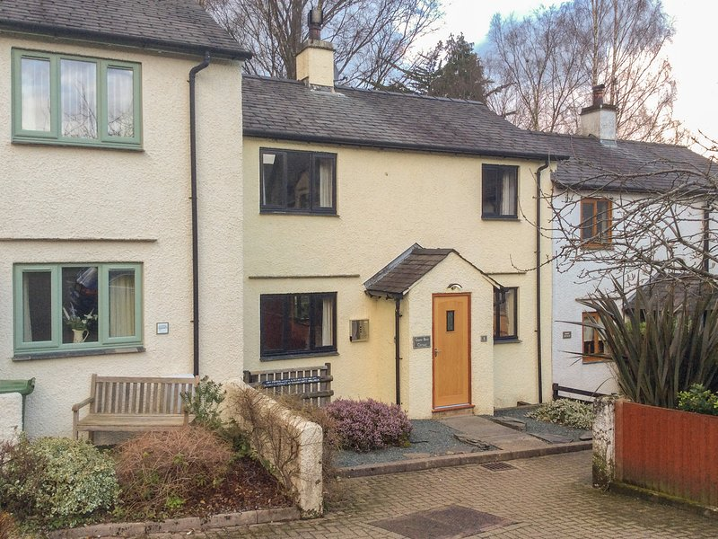 GREENBECK COTTAGE, dog friendly, WiFi, in Coniston, holiday rental in Coniston