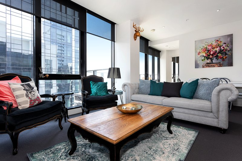 38FStyle,The LARGEST Balcony,Inc Parking,Pool,Gym, holiday rental in Melbourne