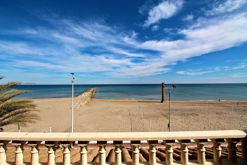 Apartamento Mistral Beach, holiday rental in Campello