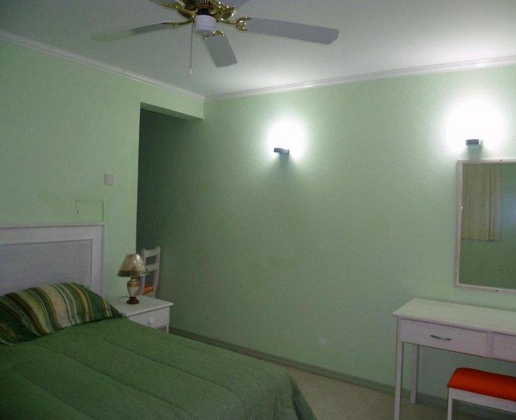 Bonanza two bedroom apartment, alquiler de vacaciones en Dover