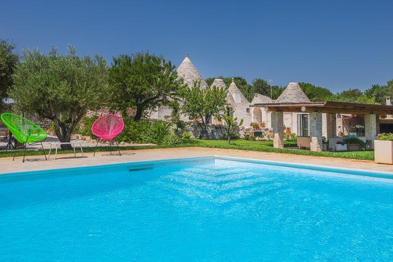 TRULLI DELLA MAGNOLIA, holiday rental in Cozzana