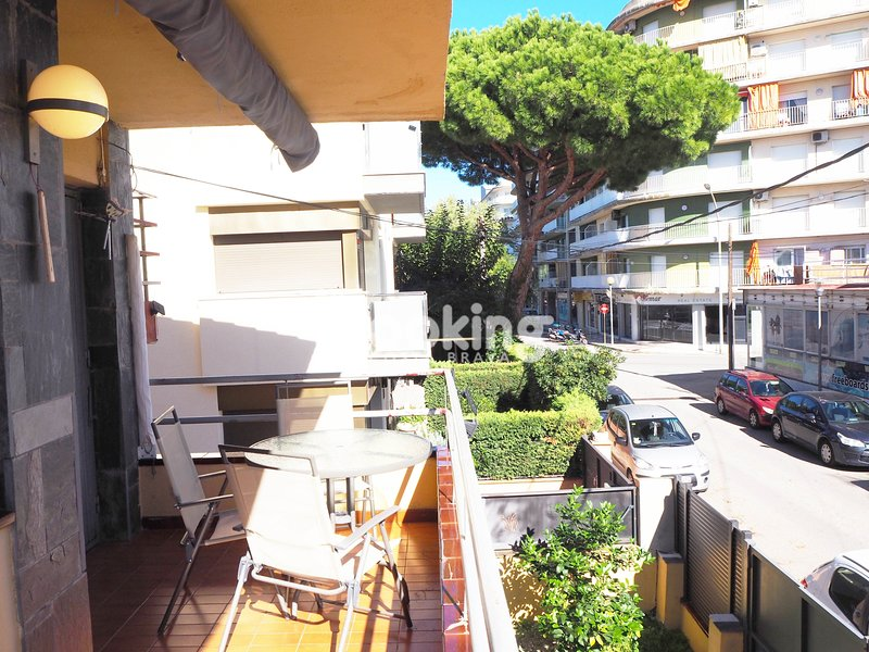 APARTMENT WITH A/C IN THE CENTER OF PLATJA D'ARO, AT 5 MINUTES FROM THE BEACH, vacation rental in Castell-Platja d'Aro
