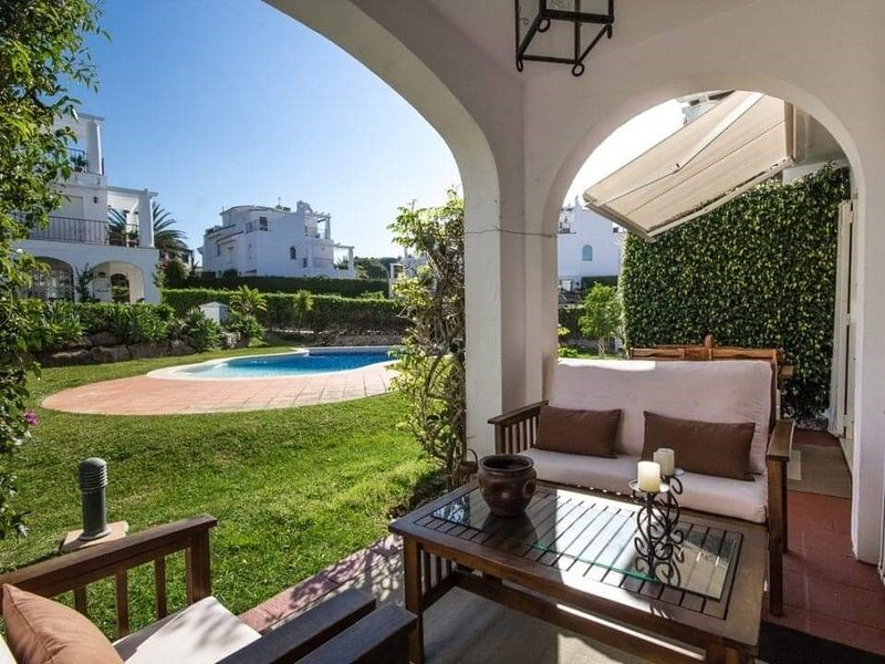 Family house in Manilva 5 minutes from La Duquesa Harbour, vacation rental in San Martin del Tesorillo