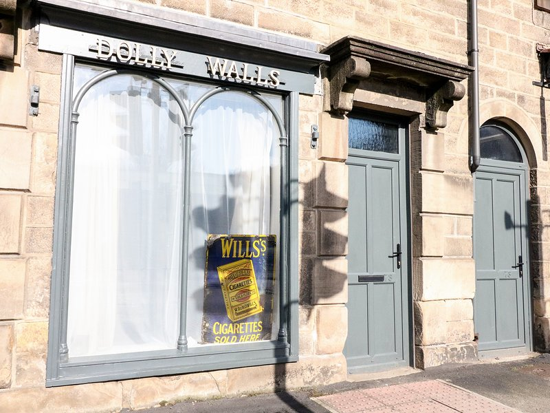Dolly's Sweet Shop, Matlock, holiday rental in Tansley