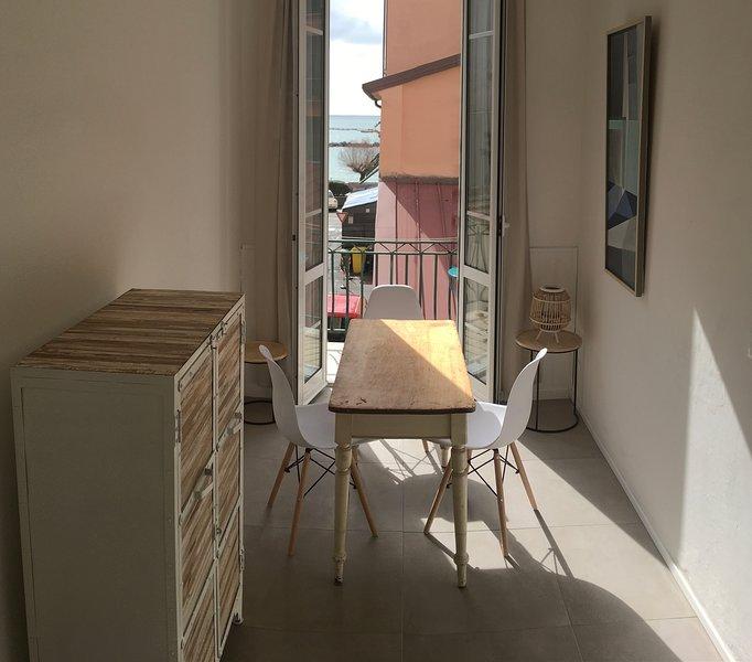 FlairAmMeer - Ferienwohnung San Terenzo, Lerici - 50m zum Strand, vakantiewoning in Pitelli